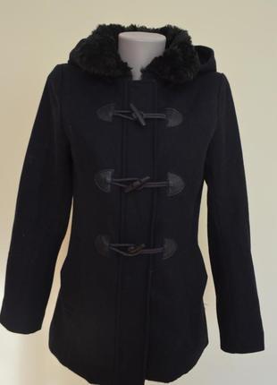 Фирменное пальто шерсть с капюшоном