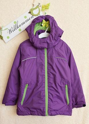 Классная фирменная термокуртка для девочки.