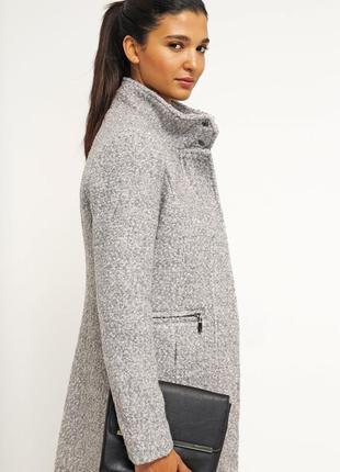 Шикарное пальто шерсть букле р.m 44-46 vero moda