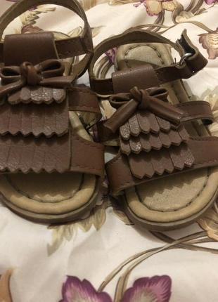 Боссоножки 23 босоножки сандали waikiki