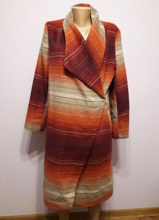 Пальто на запах с оранжевыми полосами tu