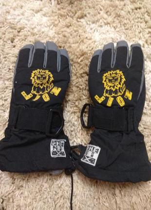 Мужские термо-перчатки в отличном состоянии