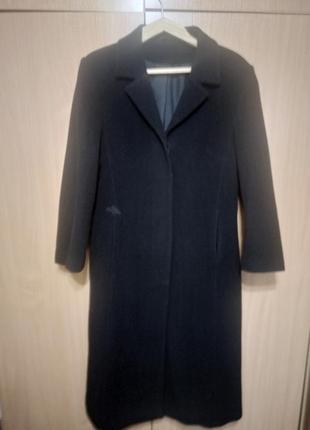 Классическое черное пальто