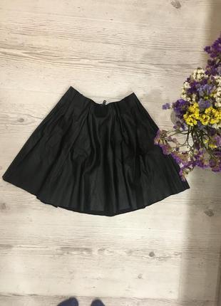 Крутая стильная пышная кожаная юбка