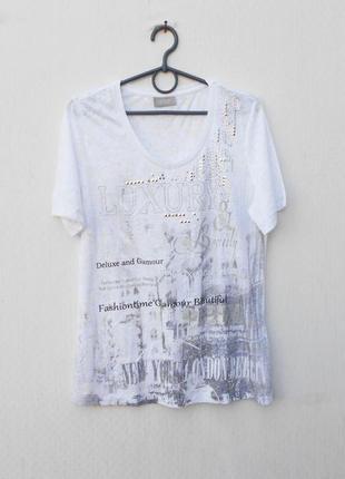 Трикотажная летняя футболка с принтом