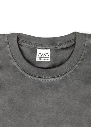 Женская графитово-белая укороченная футболка из 100%ного хлопка2