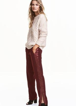 Джоггеры,брюки с атласными лампасами,карманами,замочками h&m (40-44 см.замеры)