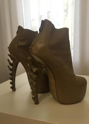 Нереально крутые ботинки dsquared2