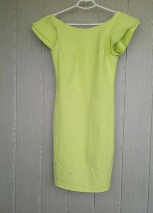 Легкое, нарядное летнее платье.