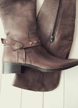 Кожаные осенние  новые сапоги- ботфорты