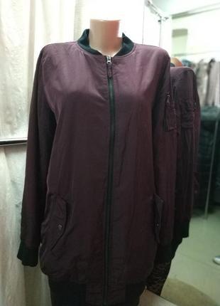 Стильный удлиненный бомпер/куртка/ветровка цвета марсала