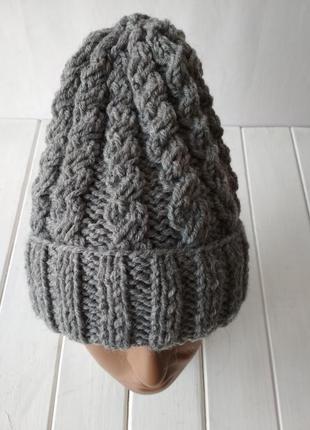 Вязаная полушерстяная шапка с отворотом