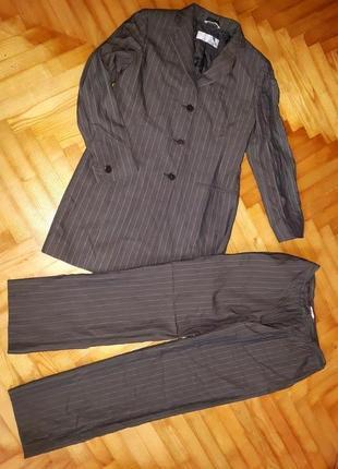 Max mara, элегантный дизайнерский брючный костюм! верх-38, низ-40