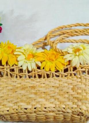 Соломенная сумка корзина с цветами