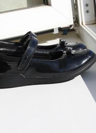 Туфли школьные на девочку clarks 30 размер