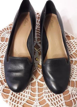Туфельки на среднем каблуке ~ clarks ~