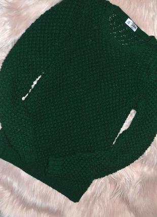 Вязаный свитер темно зеленый цвет