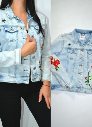 Куртка джинсовая с вышивкой бойфренд  джинсовка amazing styles .