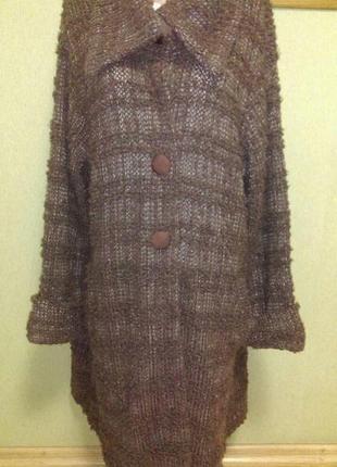 Вязаное теплое пальто в составе шерсть