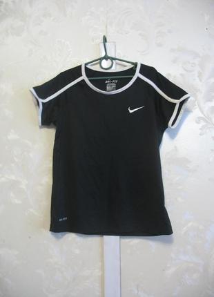 Черная футболка nike со вставками из сетки
