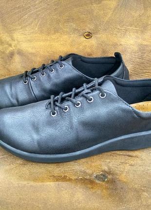 Кожаные очень мягкие и легкие туфли мокасины clarks ( 39,5 размер )