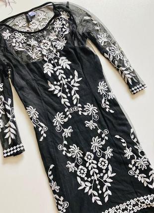 Шикарное платье сетка с вышивкою