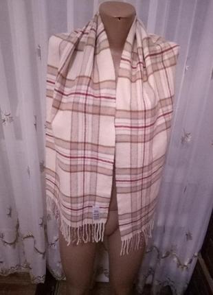 Шерстяной бежевый шарф в клетку