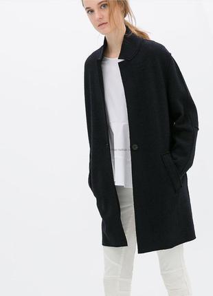 Легкое темно-синее пальто с шерстью