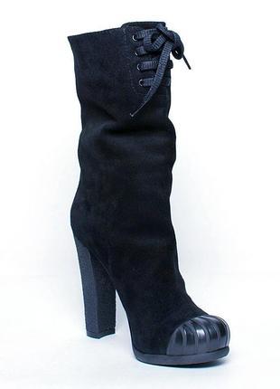 Натуральные замшевые ботинки nursace 38р