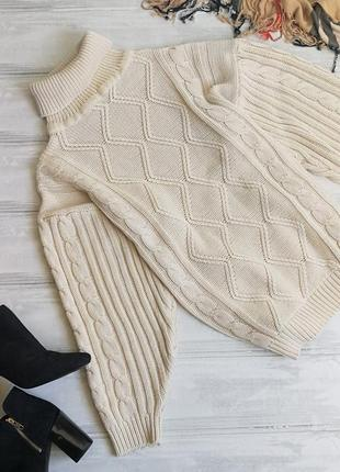 Объемный молочный свитер с гольфиком 111717 размер м