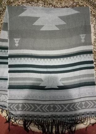 Широкий шарф в кофейных тонах