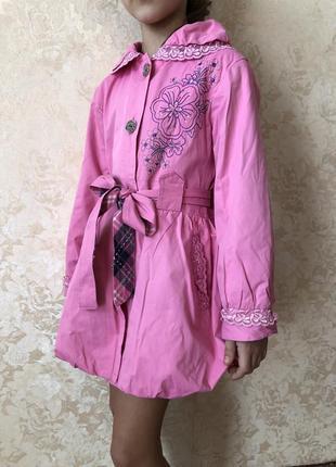 Милый розовый плащик на девочку, 122-128 размер