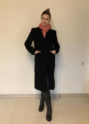 Классическое чёрное пальто, италия