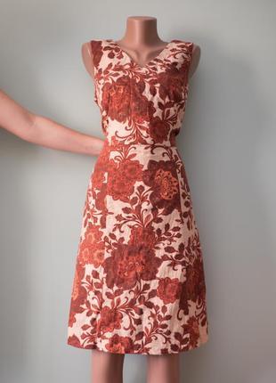Большой выбор платьев - красивое льняное платье миди в принт