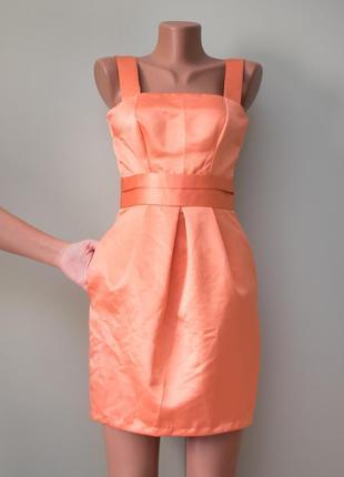 Большой выбор платьев - красивое «атласное» платье с пышной юбкой и приоткрытой спинкой