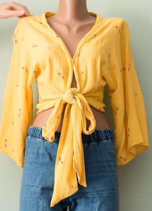 Большой выбор блуз - красивая актуальная вискозная блуза на завязках с объемными рукавами