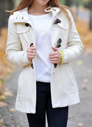 Пальто белое зара, дафлкот