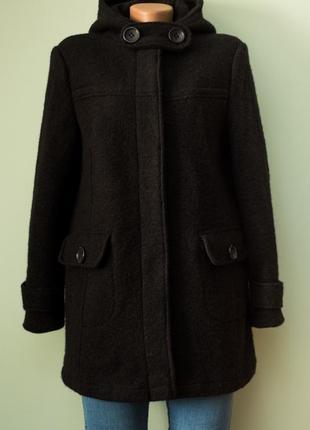 Стильное теплое шерстяное пальто в состоянии нового 85% шерсти