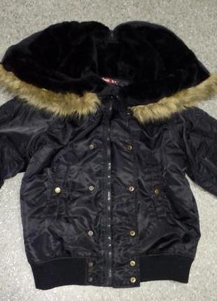 Куртка с капюшоном и искусственным мехом