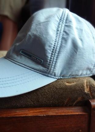 Голубая кепка с утеплением
