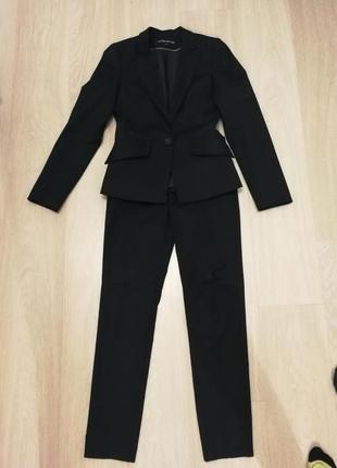 Шикарный брючный костюм от warehouse