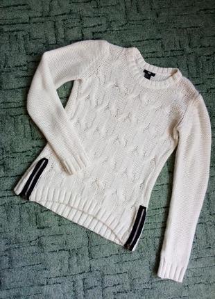 Белый свитер в косах h&m