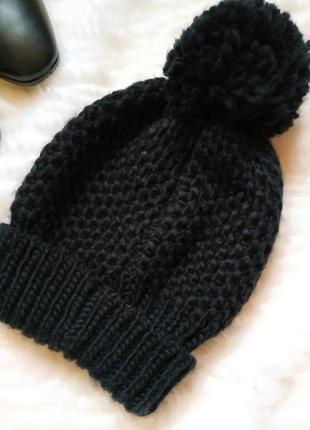 Чёрная шапка головной убор