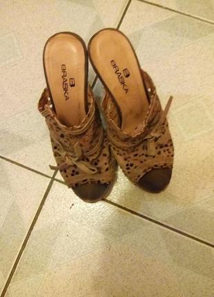 Босоножки, шлепки на каблуке braska, 36 размер, кожа