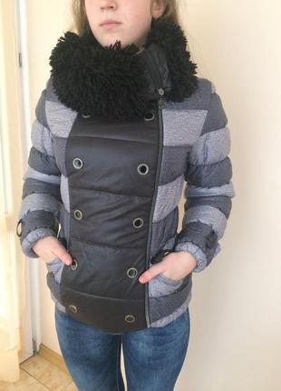 Стильна зимова куртка