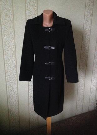 Пальто чёрное притaленное