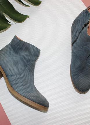 42 27см laura di sarpi кожаные ботинки на устойчивом каблуке из фактурной кожи