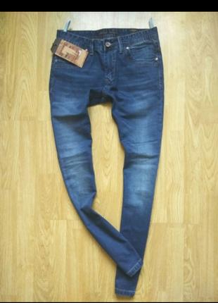 Стильние заужение джинси новие с биркой размер 30