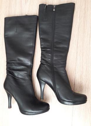Невероятно стильные, красивые и теплые, на цегеечке, кожаные зимние сапоги. liska