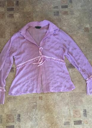 Красивая фирменная эксклюзивная нежная кружевная лиловая блуза с бантиками